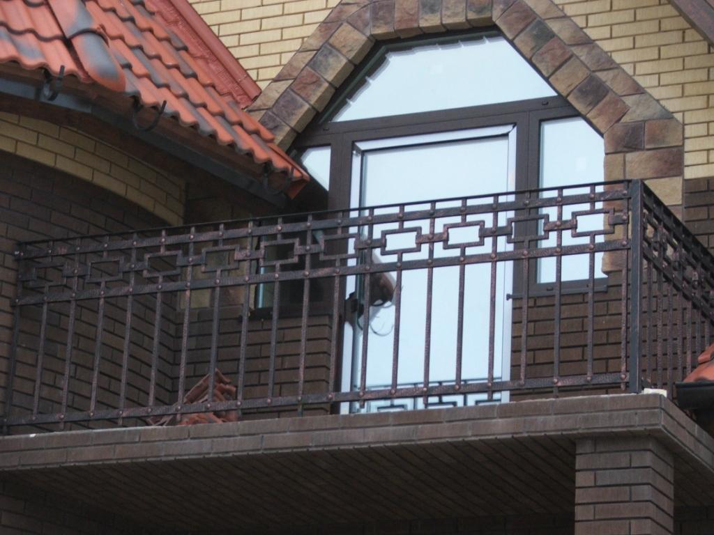 Кованые балконы (40 фото примеров).